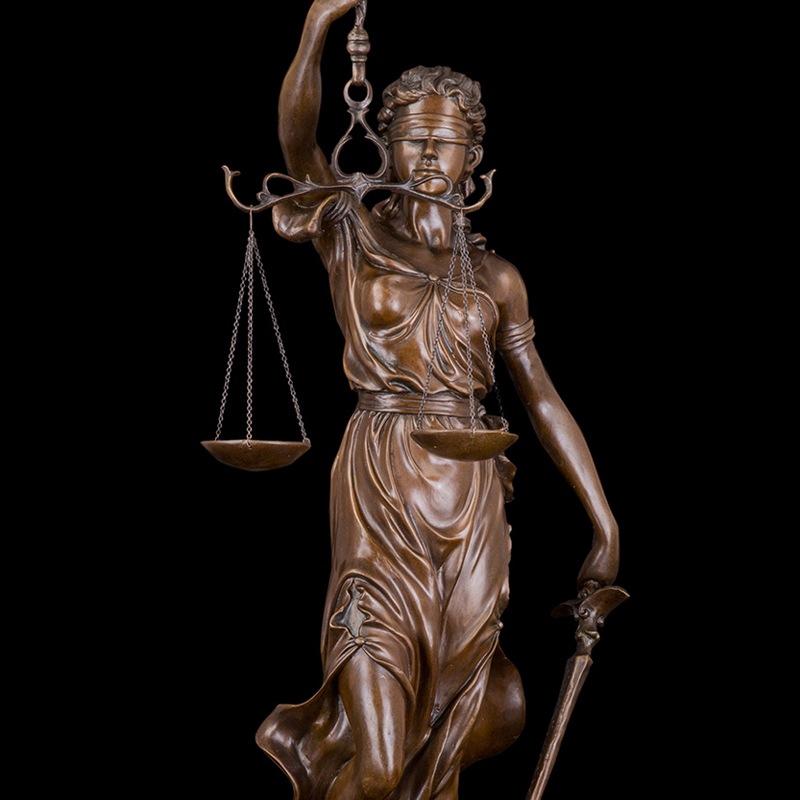 Адвокат-профессионал предоставляет услуги