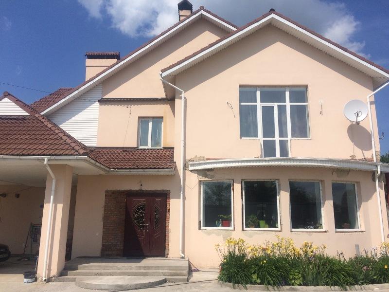 Продаётся практичный дом в Хотяновке