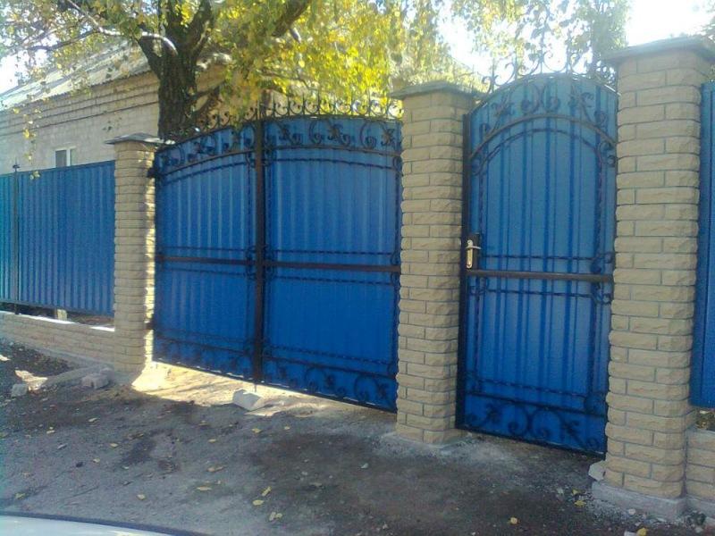 Забор из профнастила недорого в Одессе от завода